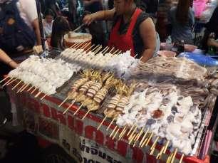 Bangkok - brochettes - Khao San Road