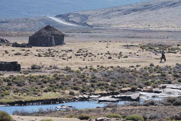 Lesotho - rondavels