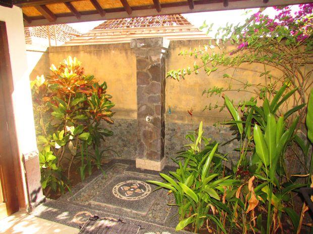 Man's cottage bathroom, Pemuteran