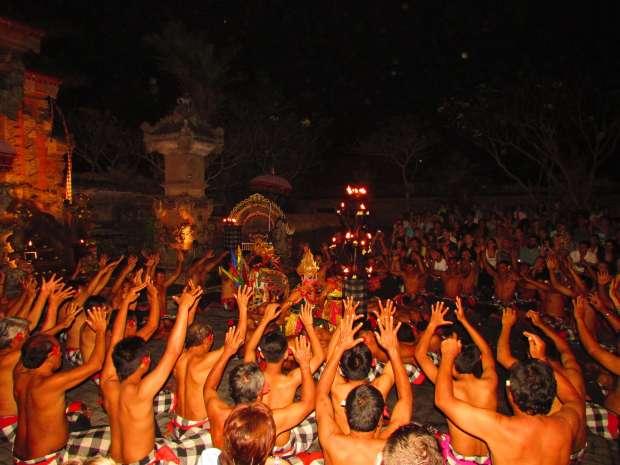 Danse traditionnelle Kecak, Ubud, Bali