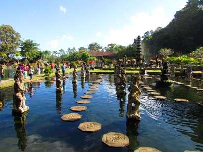Bassins de Tirta Gangga, Bali