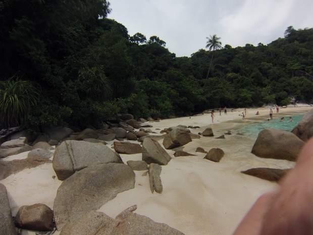 Plage et rochers, Perhentian, Malaisie