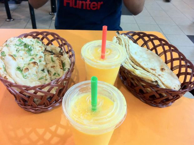Cheese Naans, Little India, Singapour