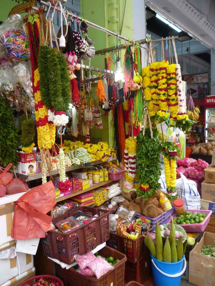 Offrandes de fleurs, Little India, Singapour