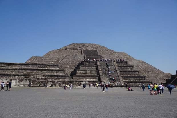Pyramide de la lune, Teotihuacan, Mexique