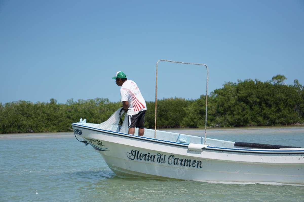 Pêcheur, Rio Lagartos, Mexique
