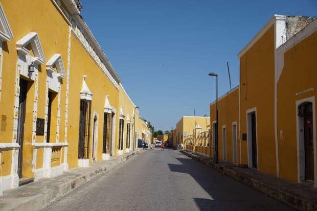 Façades jaunes d'Izamal, Mexique
