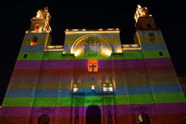 Eglise illuminée, Mérida, Mexique