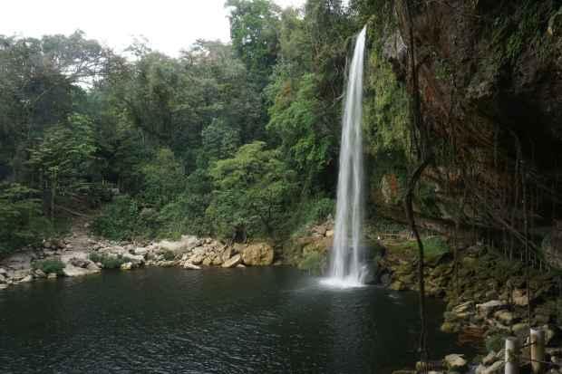 La cascade Misol-Ha, Mexique