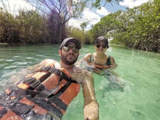 Baignade dans les canaux, Sian Ka'an, Mexique
